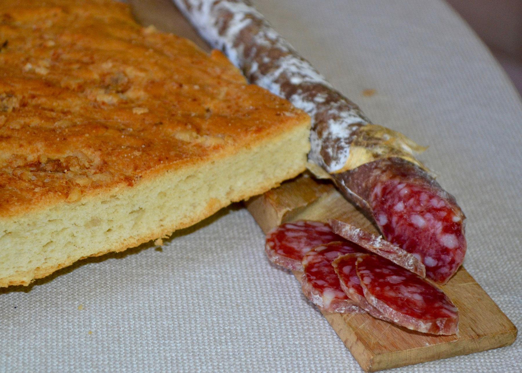Bread salumi