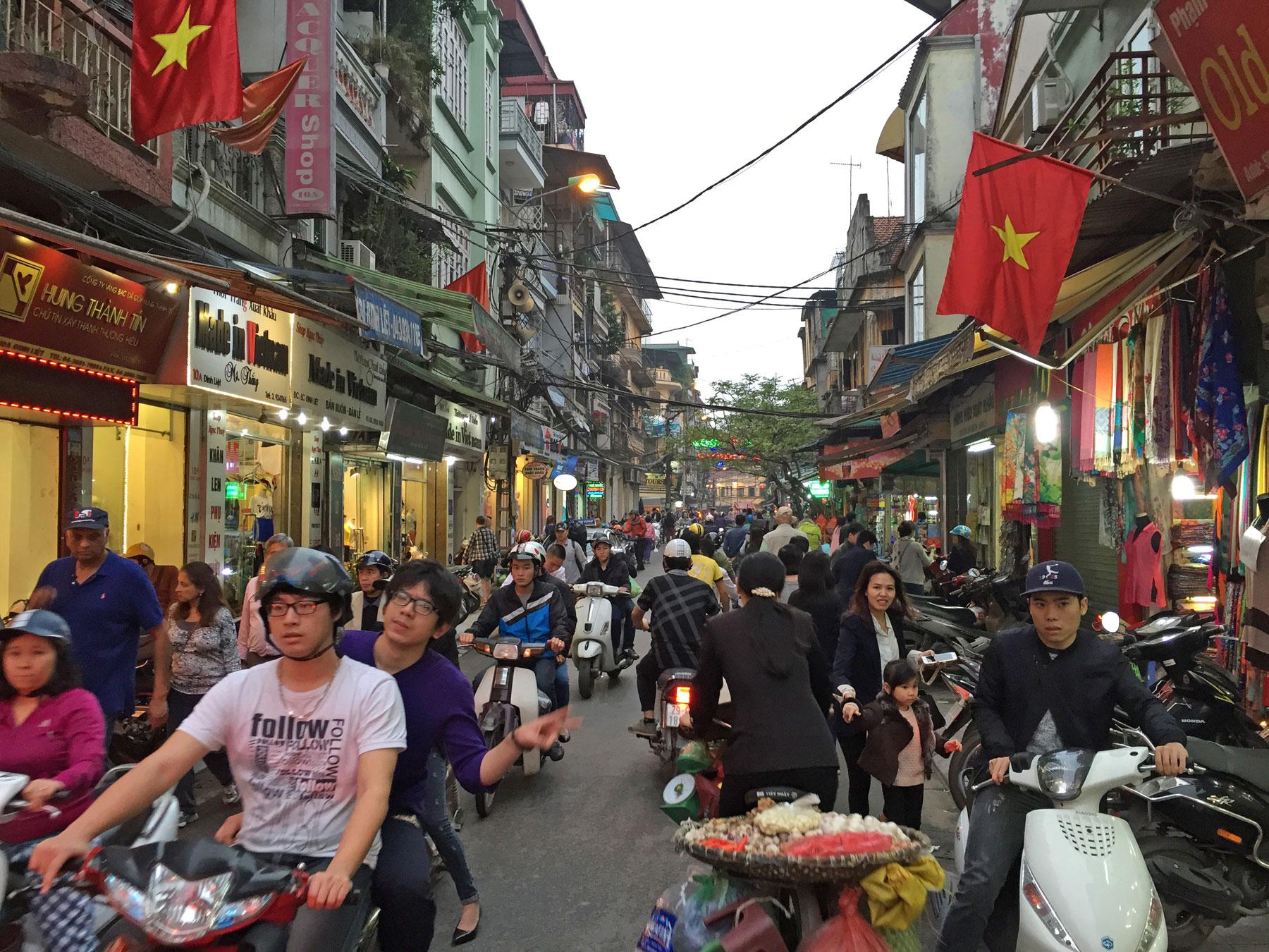 16 hanoi hongandhang markettour1